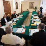 Conselho de Cardeais volta a se reunir com Francisco