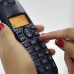 Ligações entre fixos e celulares vão ficar mais baratas este mês