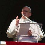 Papa Francisco: a cruz não é um enfeite para usar, mas o símbolo da fé cristã