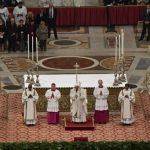 Papa abre Tríduo Pascal com Missa do Crisma no Vaticano