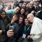 Papa convoca jovens para grande encontro durante o Sínodo