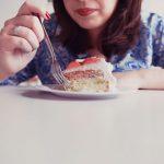 Você compensa suas emoções na comida?